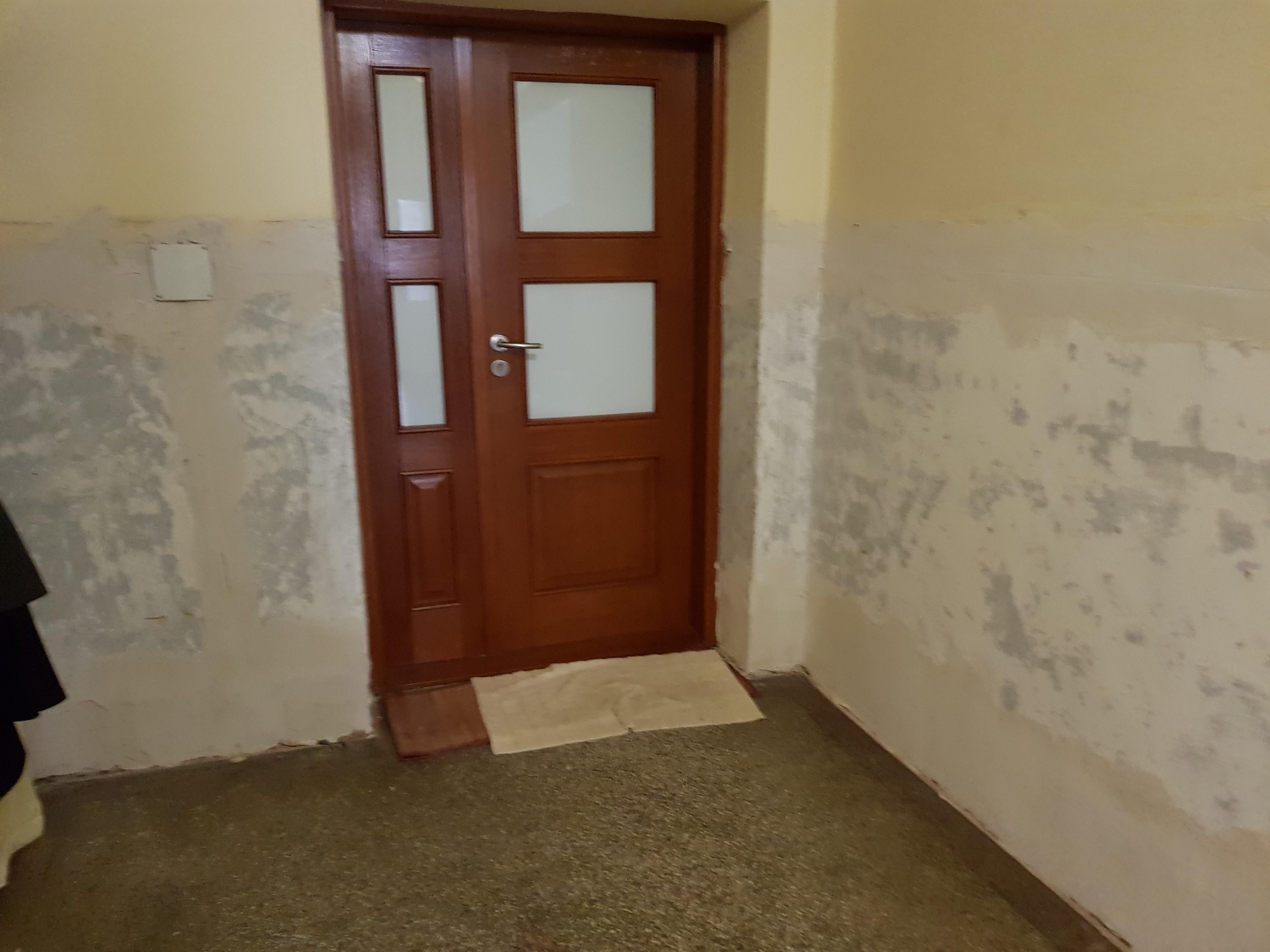 Remont klatki schodowej i korytarza na plebanii
