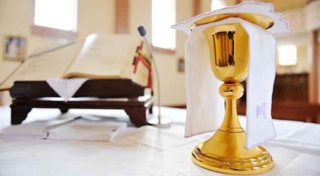 Intencje Mszy św. i godziny ich odprawiania.